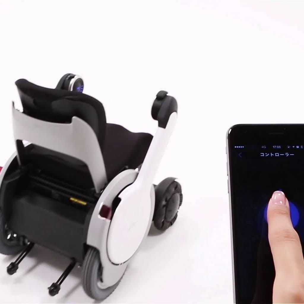 従来までの車椅子の概念を超えるモビリティ『 WHILL 』ウィル。 特別無料試乗キャンペーンを開催